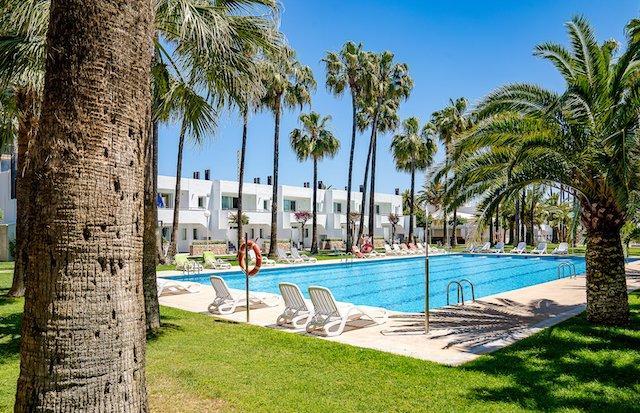 Apartamentos Tamarindos piscina