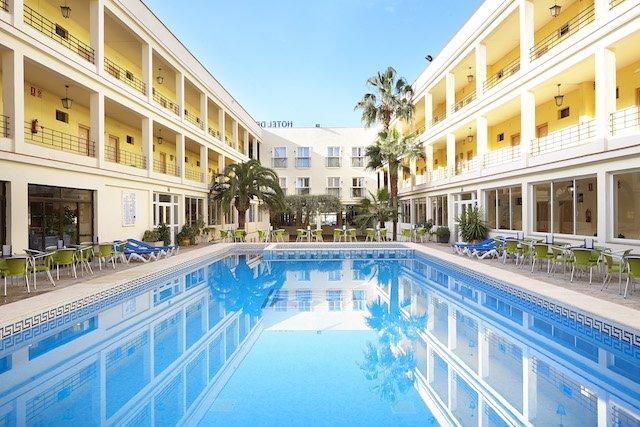 Piscina hotel golf playa
